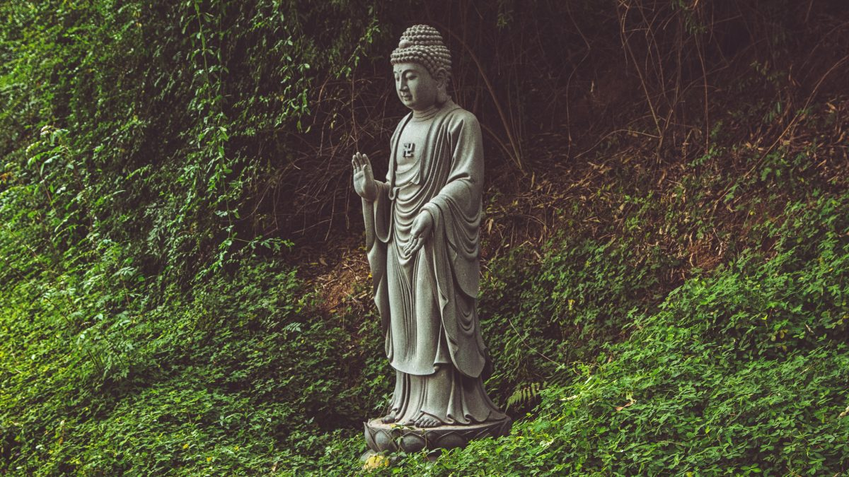 The Dhammapada exploration – part 26: The Holy Man